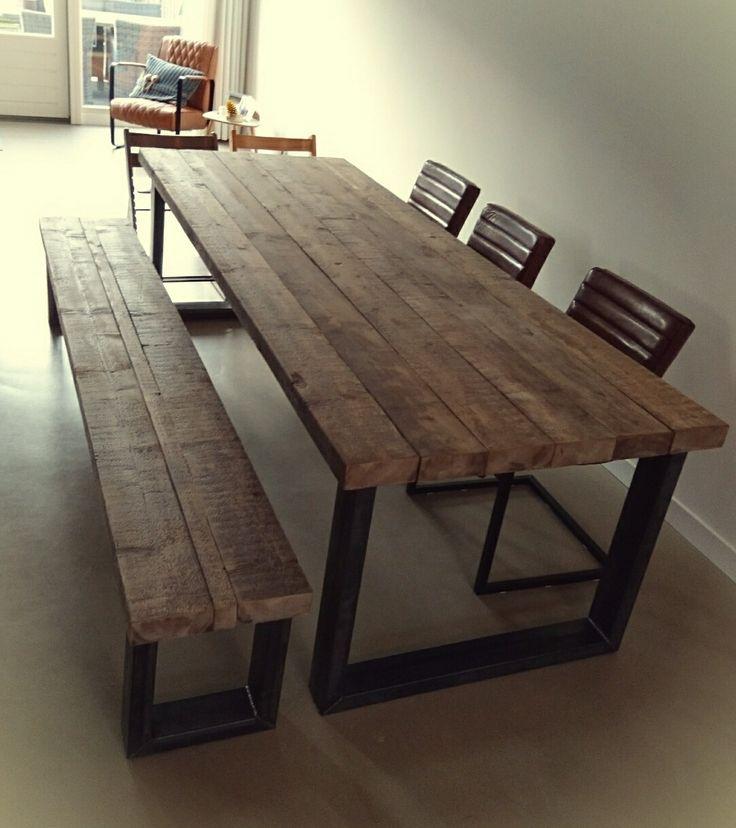 Robuuste tafel en bank van oude balken en stalen poten van CustomThijs