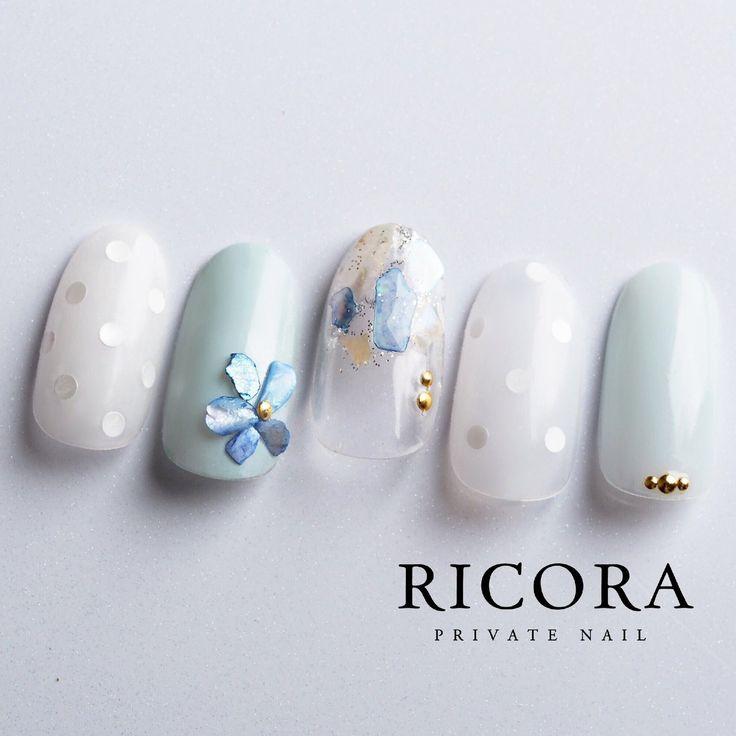 ドット×シェルストーンのお花instagram→tunashima.nail
