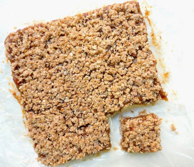 The BEST Date Squares!! 100% Sugar + Butter Free + no baking necessary :D #HEALTHY #VEGAN - Ceara's Kitchen