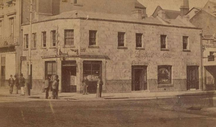 Liverpool Arms at the corner of King and Pitt Streets,Sydney in 1887.