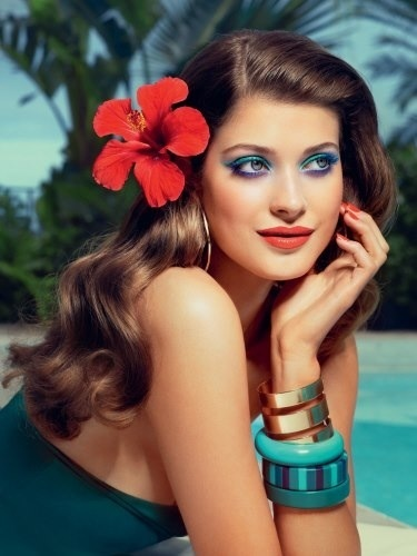 Yves Rocher Retropical look
