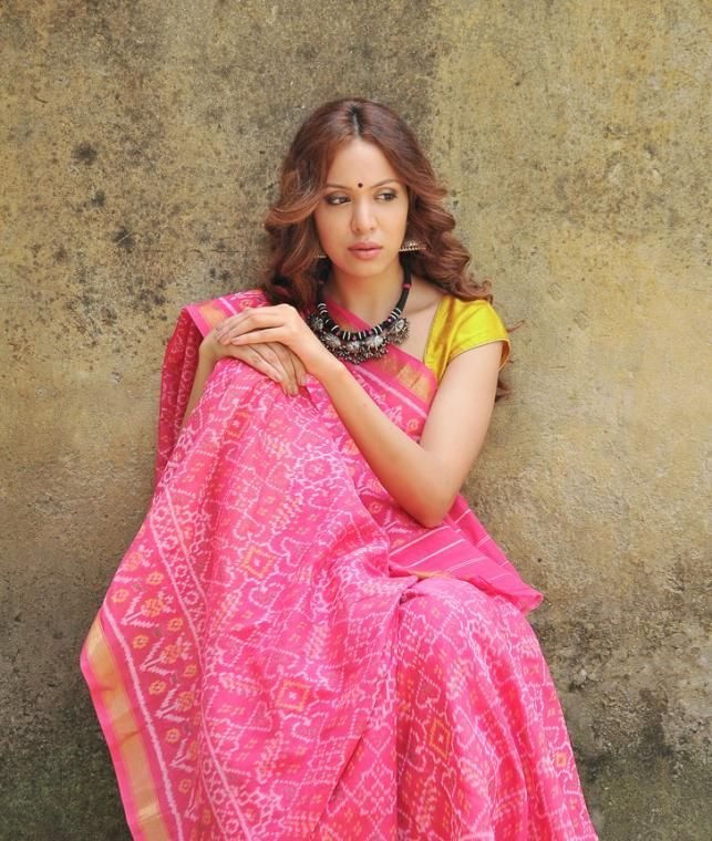 Buy Ikat Legacy by Kanubhai Salvi Ikat cotton and cotton tissue sarees and…