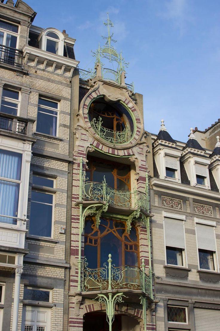 La Bruselas Art Nouveau, como la fachada StrauvenLa Bruselas Art Nouveau, como la fachada Strauven