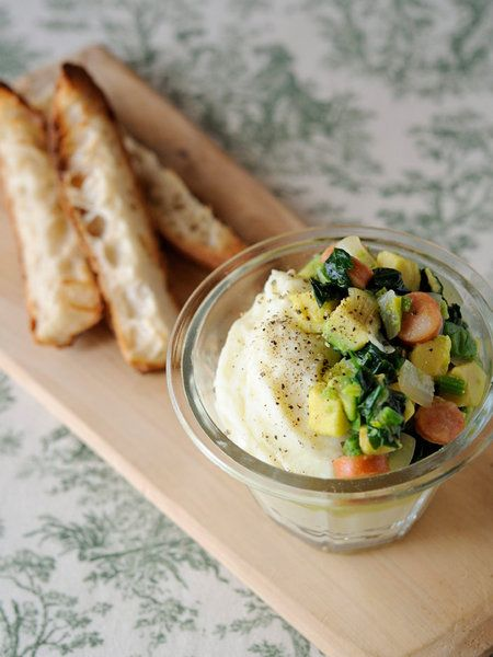 【ELLE a table】ポテトクリーム&緑のソース バゲット添えレシピ|エル・オンライン