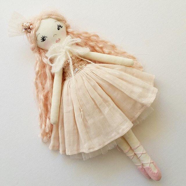 Sweet ballerina girl. She is made from the same pattern as my Strawberry Girl.  #handmadedoll #fabricdoll #clothdoll #textiledolls #heirloomdolls #ballerinadoll #customdoll  #ooakdoll #ooakclothdoll #handmadetoys #madewithlove #madeinaustralia #deerdarlingdolls #dollmakers #dollmakersofinstagram