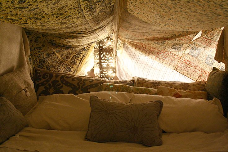 living room fort ideas 1000 ideas about fort on blanket forts 13395