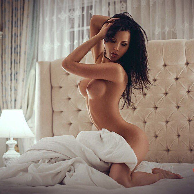 Free Adult Personals Online Dating - Surfing the Web For Thrills and Encounters