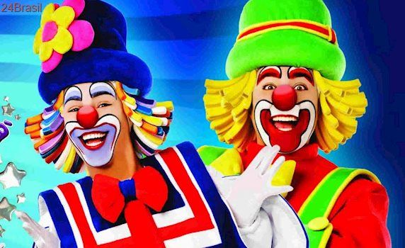 Circo Robatiny promove show com palhaços Patati Patatá em Vitória