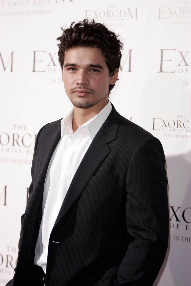 Alt Dimitri Belikov Because Steven Strait is beautiful and