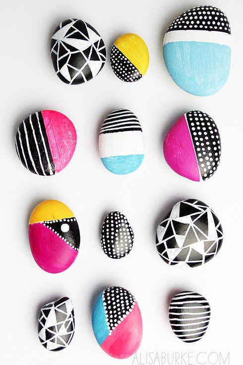 41 Amazing Free People-Inspired DIYs; painted rock magnets