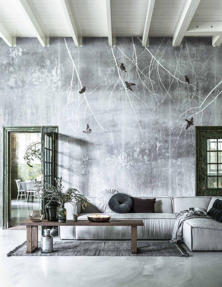Grijs behang met grijze hoekbank | Grey wallpaper and grey couch | Fotografie Sjoerd Eickmans | Styling Moniek Visser
