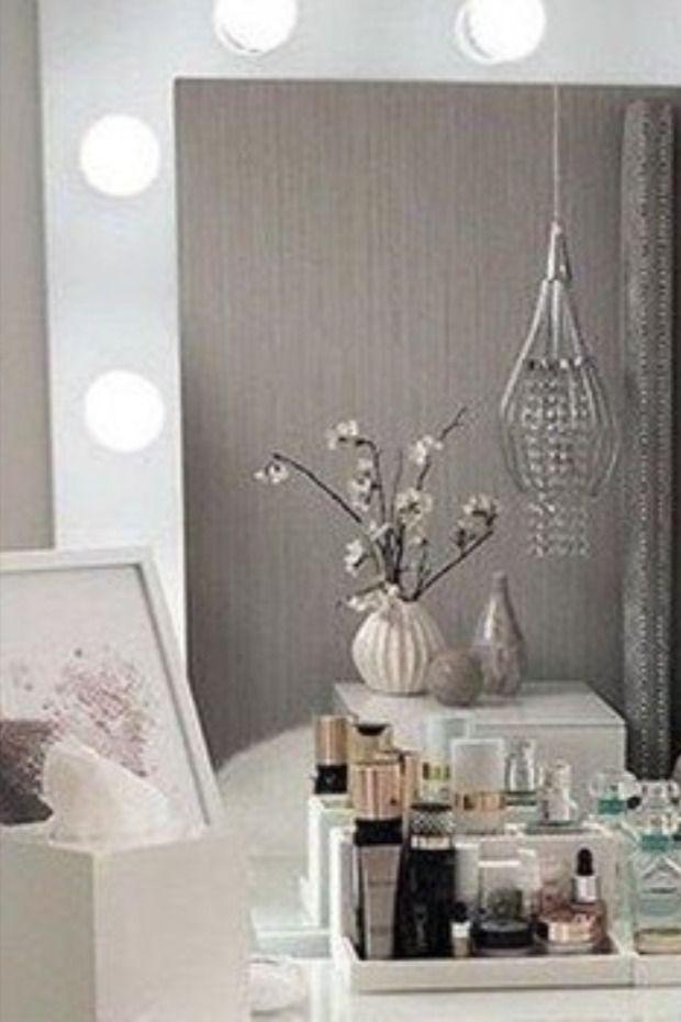 بالصور تعلمي طريقة صنع المرآة المضيئة Ceiling Lights Decor Home Decor