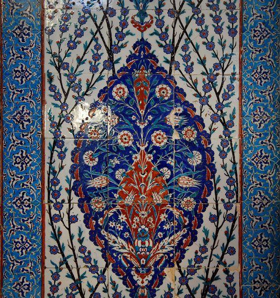 atik valide camii / Tiles in Iznik, Turkey