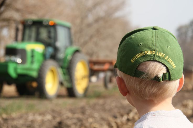 This one is for my sister and family who farmed in Isanti, MN and ONLY used John Deere machinery :-)