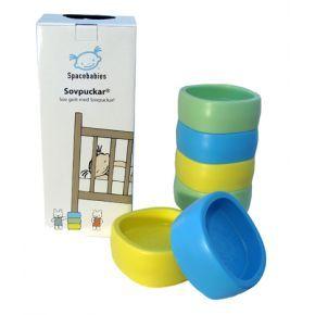 Spacebabies Unipalikoiden avulla voit turvallisesti korottaa lapsen sängyn päätyä yhdellä, kahdella tai kolmella palikalla. Pääpuolesta korotettu sänky helpottaa vilustuneen, tukkoisen tai korvakipuisen lapsen oloa. Pakkaus sisältää 6 unipalikkaa.
