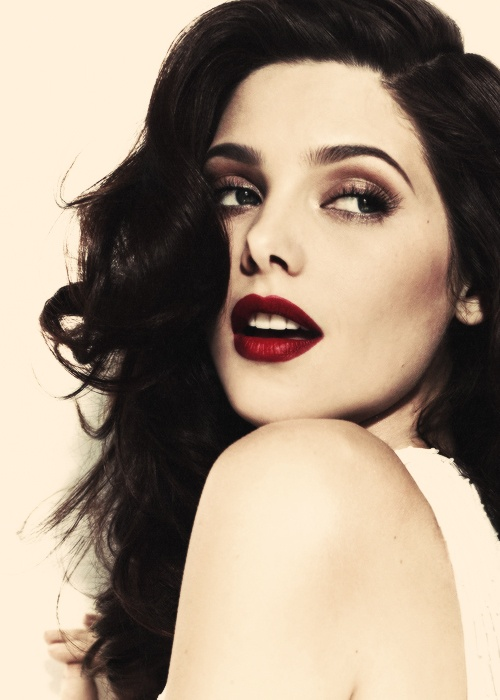 Ashley Michele Greene (born February 21, 1987) is an American actress and model, best known for playing Alice Cullen in the film adaptations of Stephenie Meyer's Twilight novels.