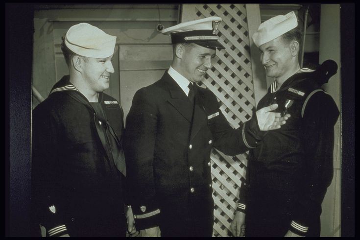 What's the History of the Navy Uniform?