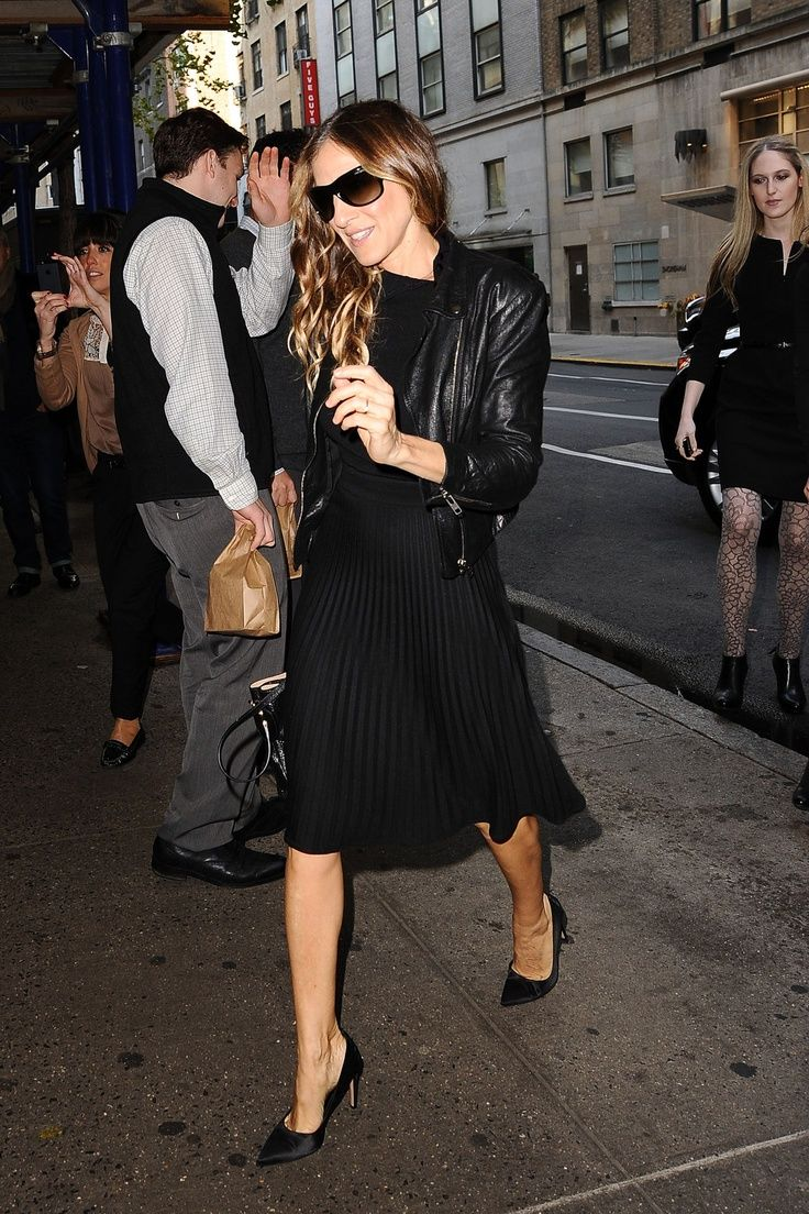 SJP all black look