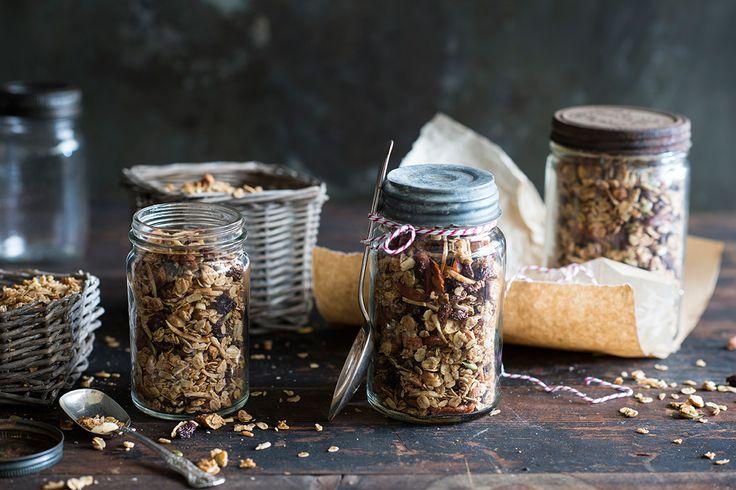 Maple, cardamom and almond granola