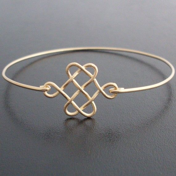 Hey, I found this really awesome Etsy listing at https://www.etsy.com/listing/70869931/celtic-knot-bracelet-celtic-knot-jewelry