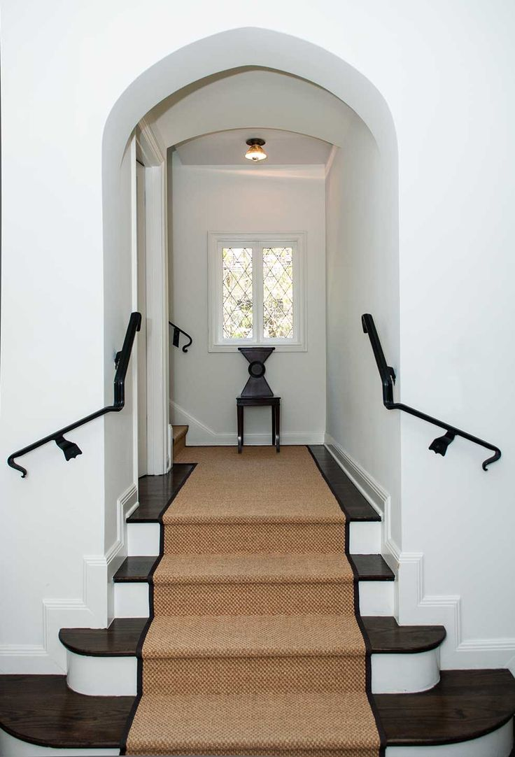 Simple Seagrass Stair Runner with Black Border