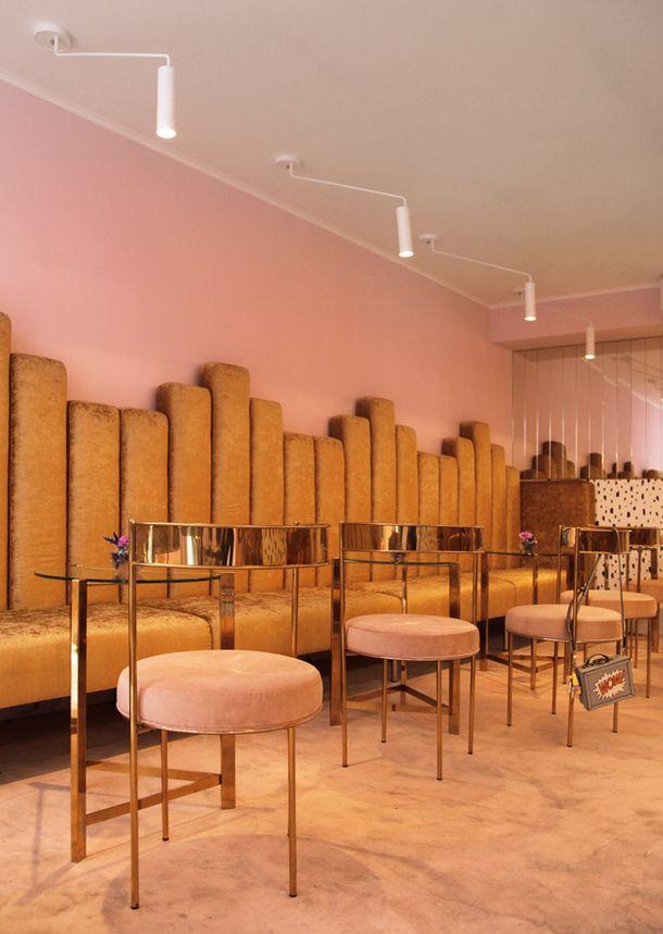 Die besten 25+ moderne klassische Innenausstattung Ideen auf - antike mobel modernen wohnraumen