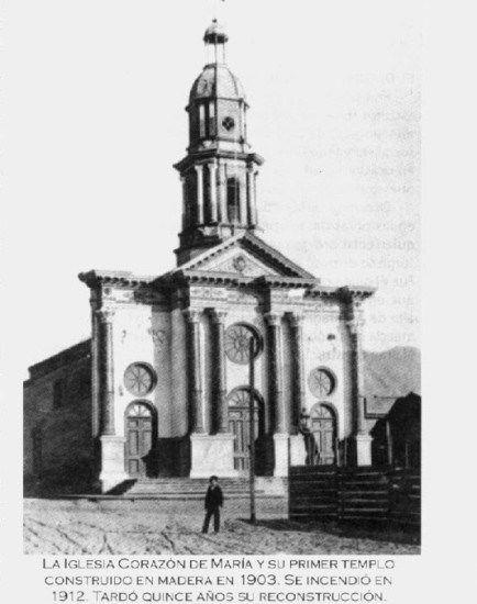 Antigua Iglesia Corazón de María de Antofagasta en 1911Construida en 1903 e incendiada en 1912.  - EnterrenoEnterreno