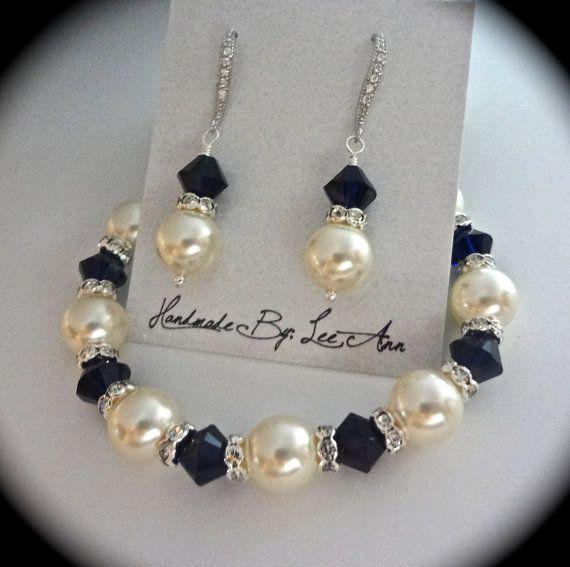 Pearl bracelet and earring set // Something by QueenMeJewelryLLC, $64.99
