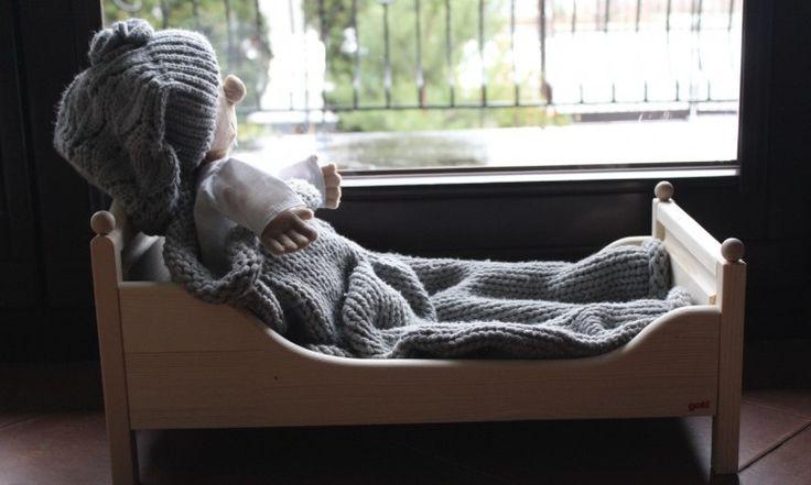 Łóżko drewniane dla dużej lalki <3
