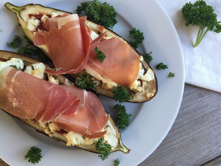 Bo's gevulde aubergine uit de oven met geitenkaas en serrano