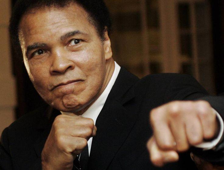 Ali, en 2006 Muere la leyenda del boxeo Muhammad Ali El tres veces campeón mundial de los pesos pesados había ingresado esta semana en el hospital por problemas respiratorios