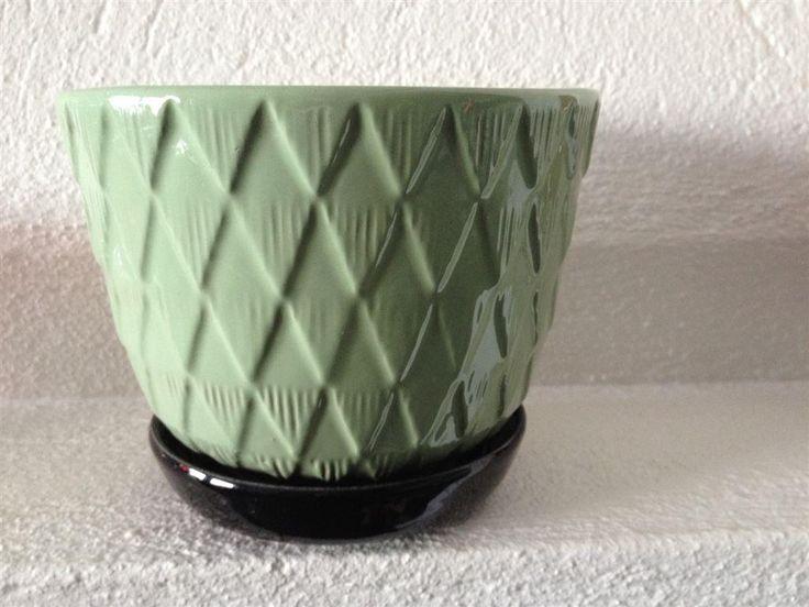 Upsala Ekeby,1 st Retro grön blomkruka med svart fat 1 på Tradera.com -