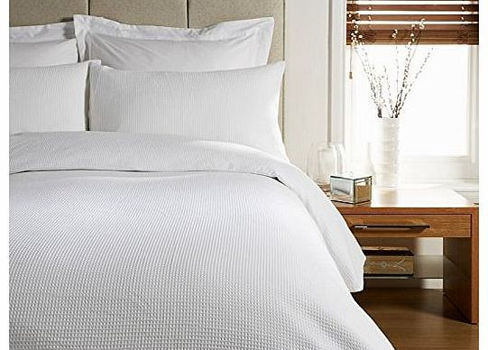 Viceroybedding WHITE Double Bed Size WAFFLE Print, Duvet Cover and Pillow Cases Bedding Set Give your bedroom a bright, clean look with a simple and contemporary WAFFLE design. A combination of great quality and simple style will ensure your bedroom is welcoming (Barcode EAN = 5060352136975) http://www.comparestoreprices.co.uk//viceroybedding-white-double-bed-size-waffle-print-duvet-cover-and-pillow-cases-bedding-set.asp