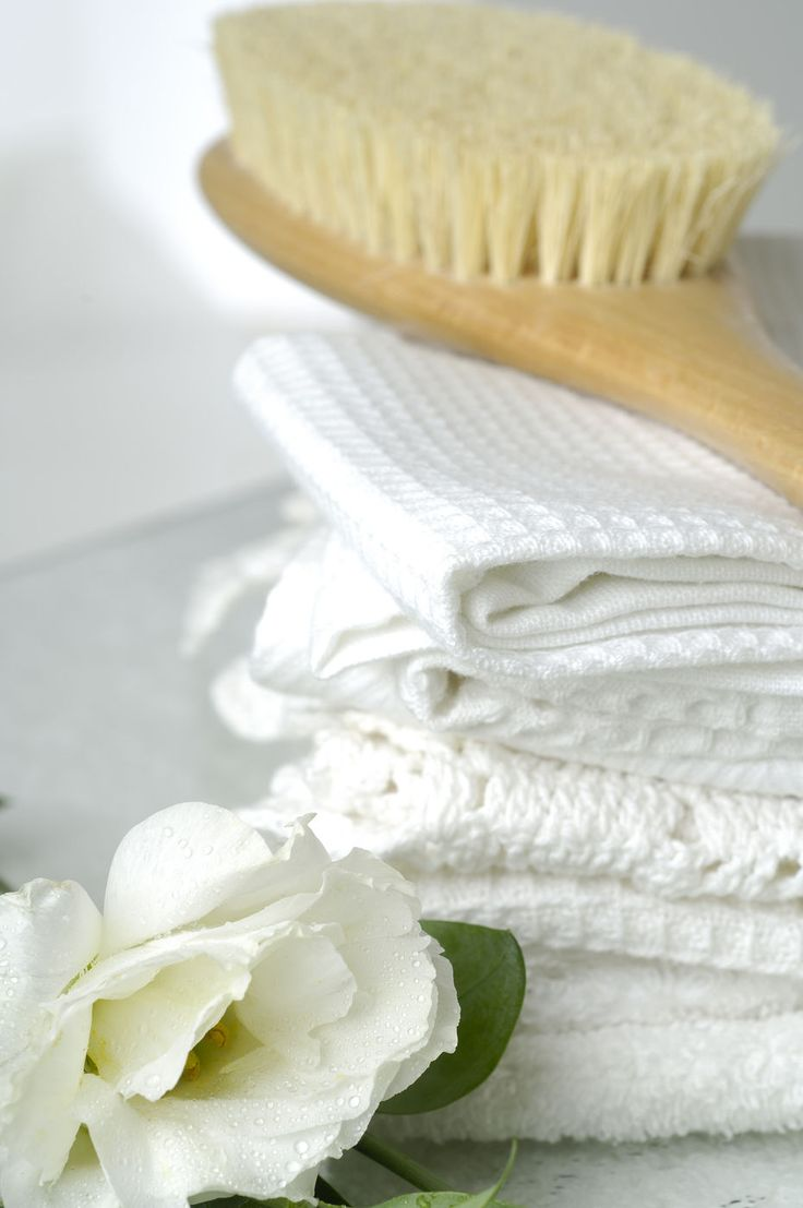 Did you know that regularly sloughing off dead skin cells helps to boost circulation, eliminate toxins and alkalise the body? Use a dry skin brush with natural bristles every morning before showering, making sure to brush towards the heart!
