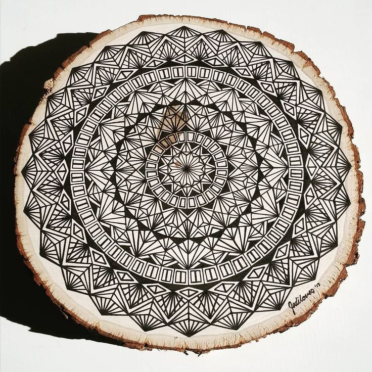 80 vind-ik-leuks, 6 reacties - @jediloves op Instagram: '9 inch mandala on a wood slice #mandala #drawing #ink #pigmamicron #geometry #jediloves'