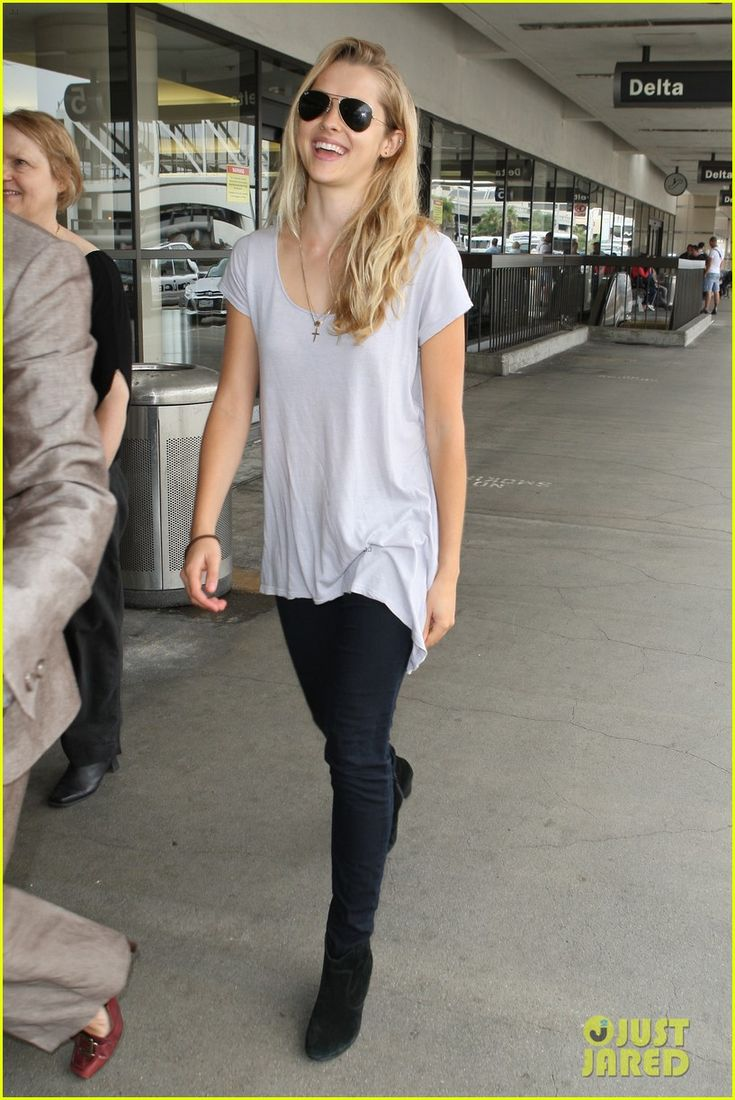 Teresa Palmer: Tokyo Jetsetter! Even though she is way shorter than me, to me she is both a fashion and fitness icon.