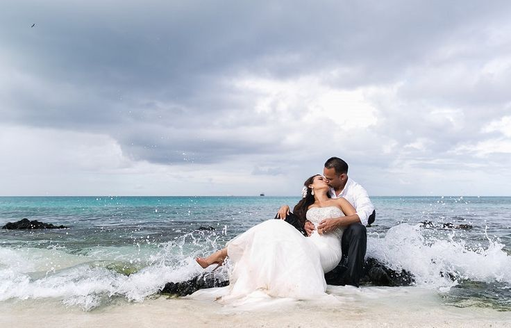 Marisa & Suresh's destination wedding in Aruba @destweds Photography by Demian Gibbs Photography