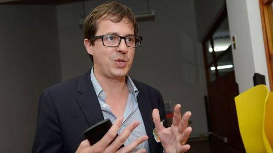 Matthew Carpenter-Arévalo, exgerente on-line de Google y de Spanish-Speaking Latam, de Twitter para América Latina, radicado desde hace seis meses en Quito, considera que Ecuador es el único país en el mundo donde el sector público es más avanzado que el privado en el uso de redes sociales.