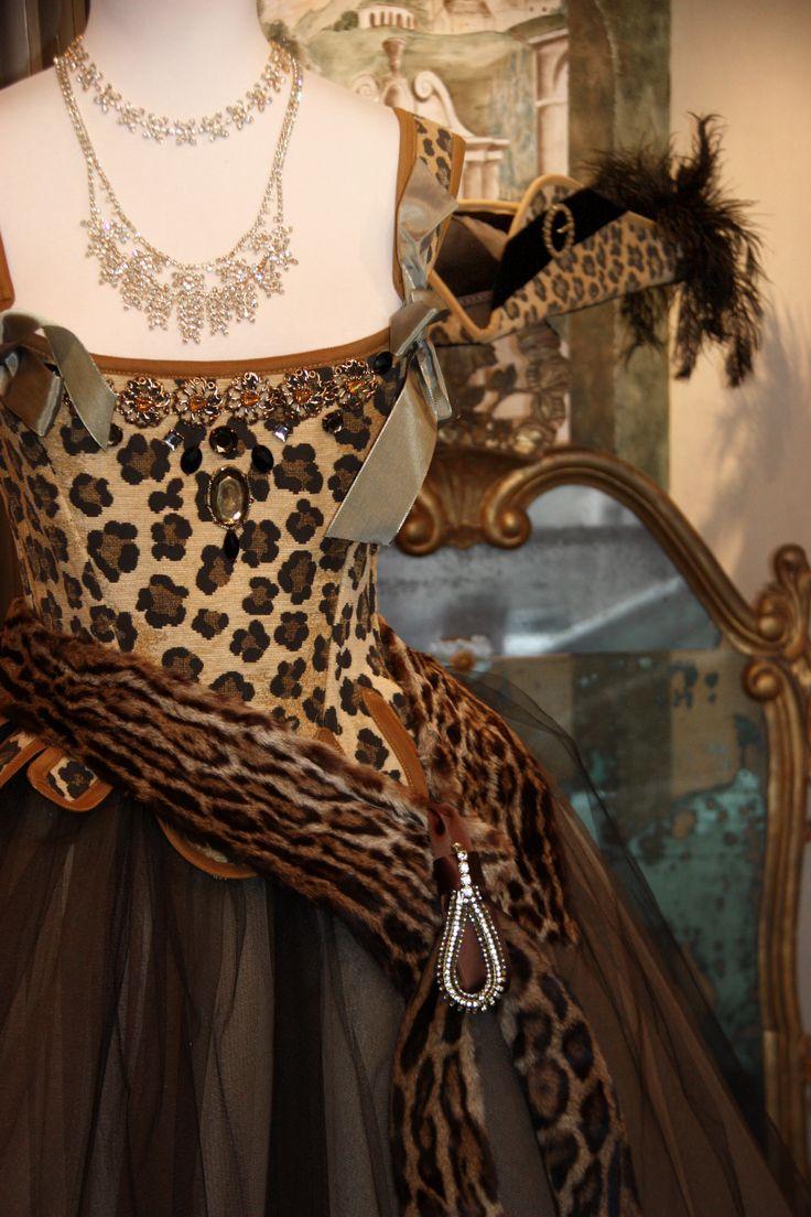 Dettaglio corsetto 700 fantasia leopardo, by Scatola Magica