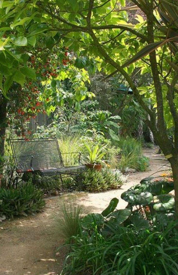 40 Beautiful Mediterranean Garden Design Ideas For Your Backyard