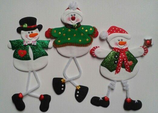 Muñecos de nieve patas largas_Imánes para la nevera, elaborados con foamy.