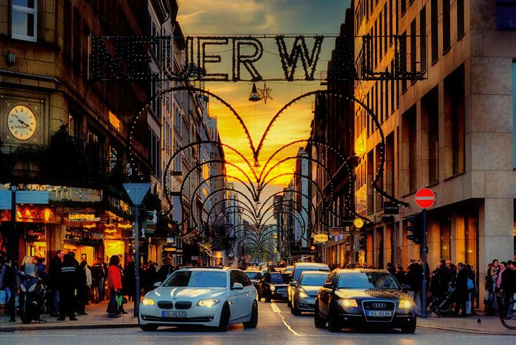 Почему надо ехать в Гамбург за покупками / Гамбург среди немецких городов…