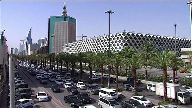 YENİ DÜNYA GÜNDEMİ ///  Suudi Arabistan petrol varil fiyatının 60 dolar olmasını bekliyor