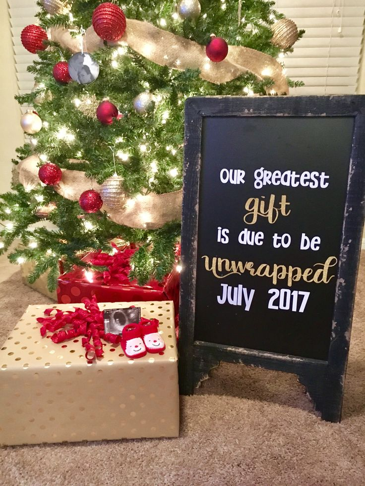 Christmas pregnancy announcement!