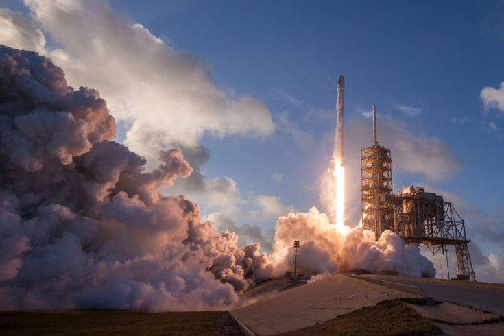 Watch live: SpaceX to make its last launch before Falcon Heavy attempt