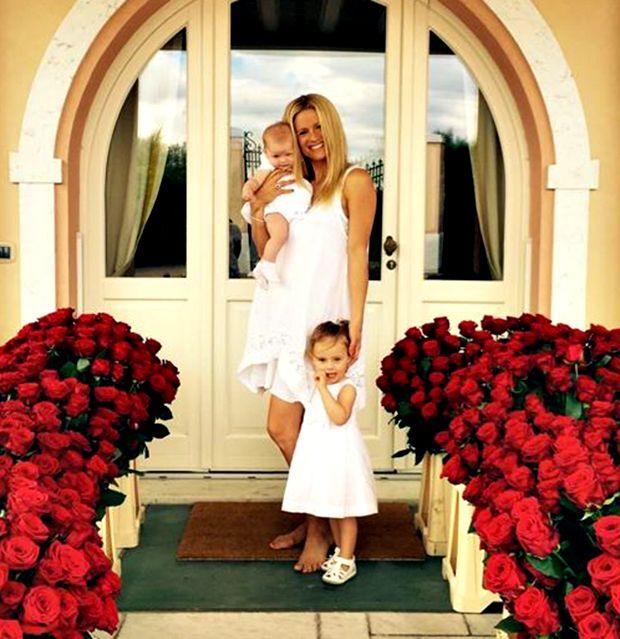 Michelle Hunziker, Sole e Celeste sono i tre bellissimi angeli di Tomaso Trussardi: foto social e dichiarazione d'amore dell'imprenditore alle sue donne