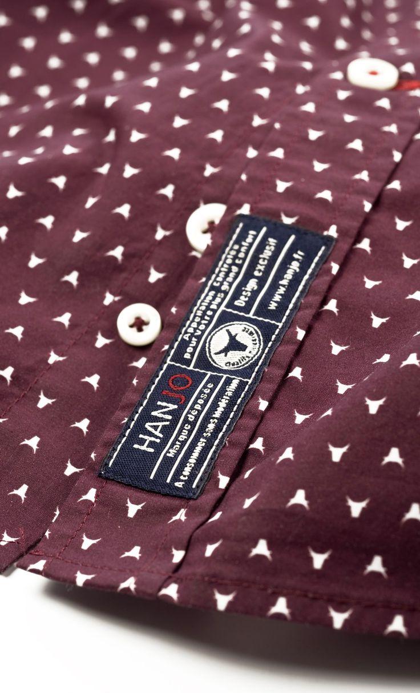 Chemise Homme Rouge Bordeaux / Pourpre Originale Tenue Mode Style Motif Imprimé 100% coton, col classique Manches Longues à porter Ouverte ou Fermée. Parfaite Idée Cadeau pour Homme de 30, 40 ou 50 ans, existe en coffret cadeau. Disponible sur Hanjo.fr
