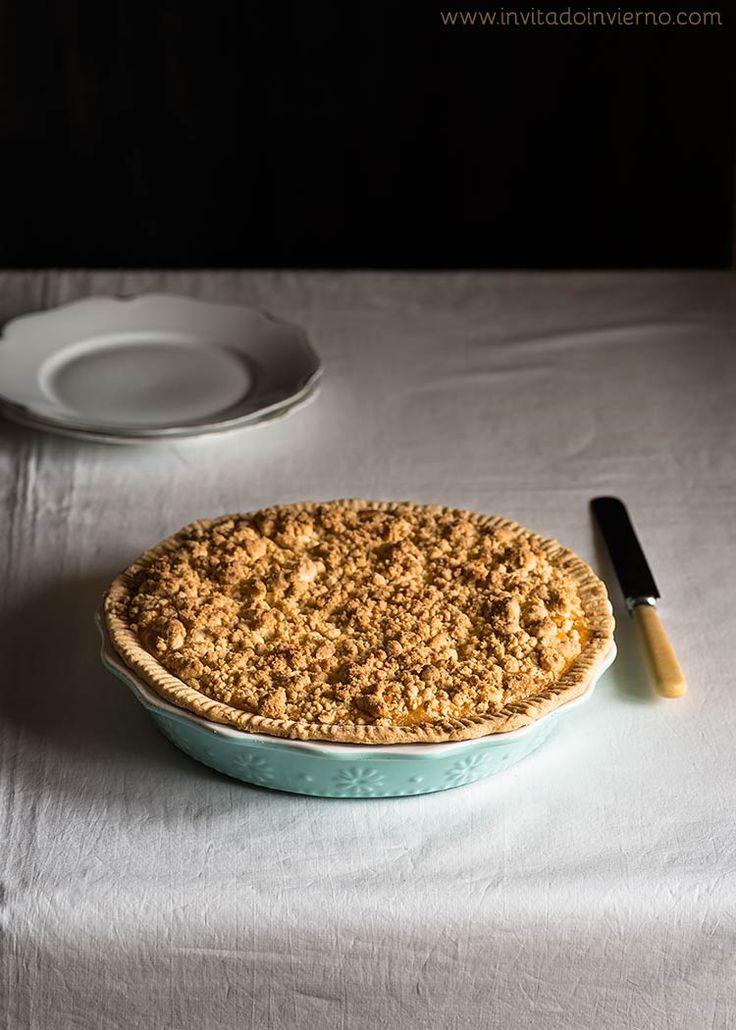 Receta alemana de tarta de manzana con streusel, postre tradicional con cobertura de migas de masa. Con fotos paso a paso y explicaciones