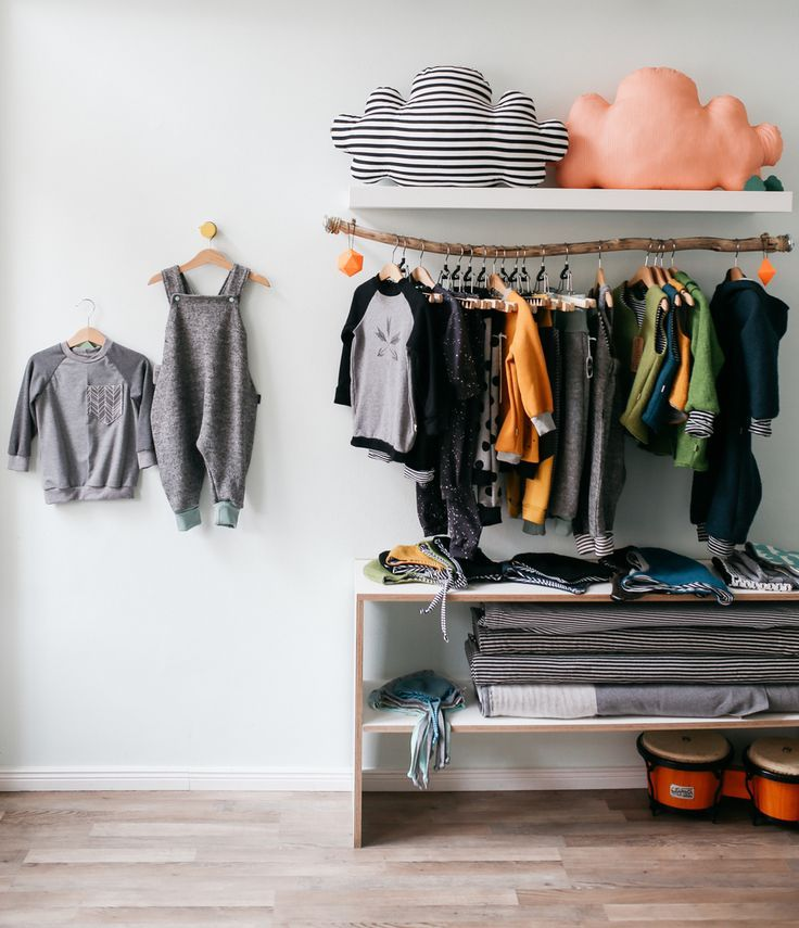 die besten 25 kleiderstange holz ideen auf pinterest kleiderstange selber bauen. Black Bedroom Furniture Sets. Home Design Ideas