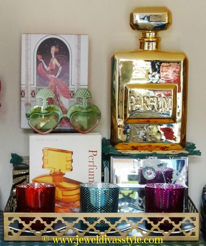 JDS - Golden Perfume Bottle - http://jeweldivasstyle.com/home-decor-style-golden-perfume-bottle/